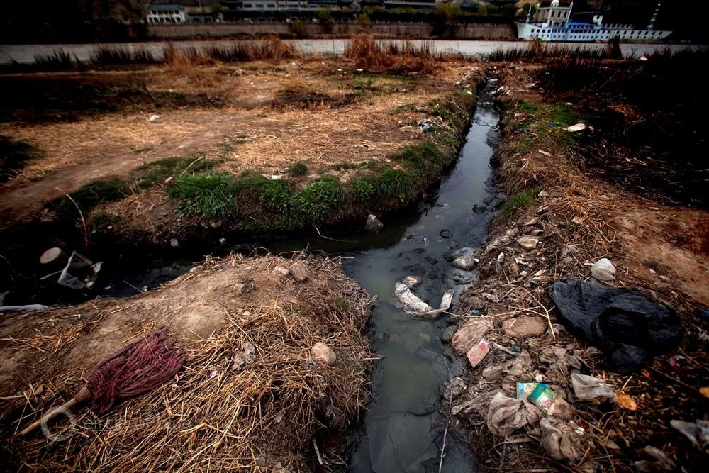 Vesuviano, rifiuti illeciti e inquinamento: quattro officine sequestrate e 11 denunciati