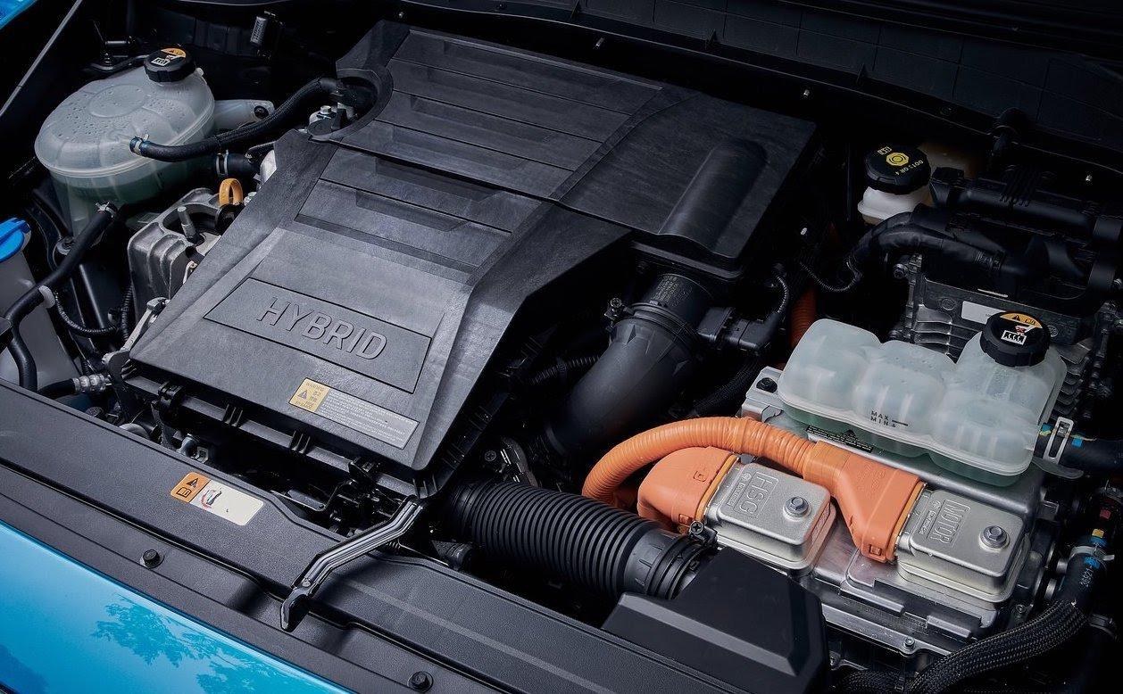 Ibrido Hyundai, l'utile e il dilettevole